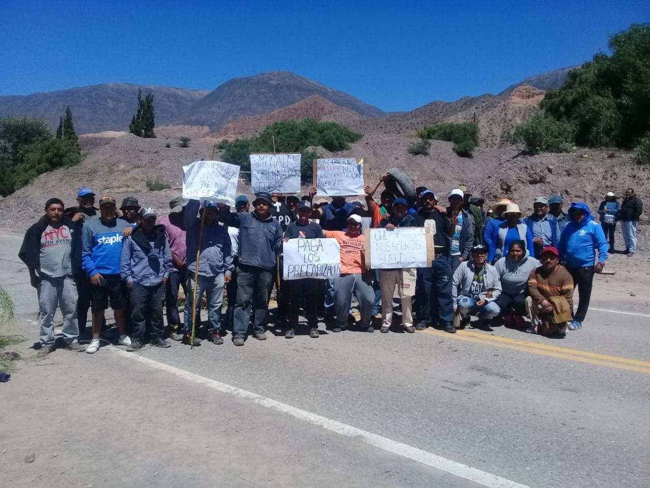 Trabajadores de Maimará corta ruta por falta de pago