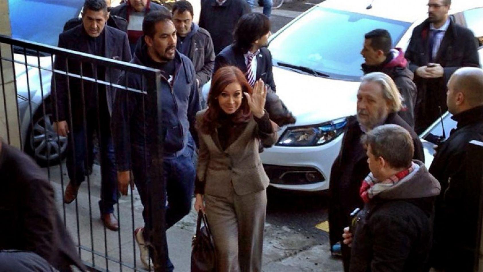 Hoy comienza el juicio oral contra CFK