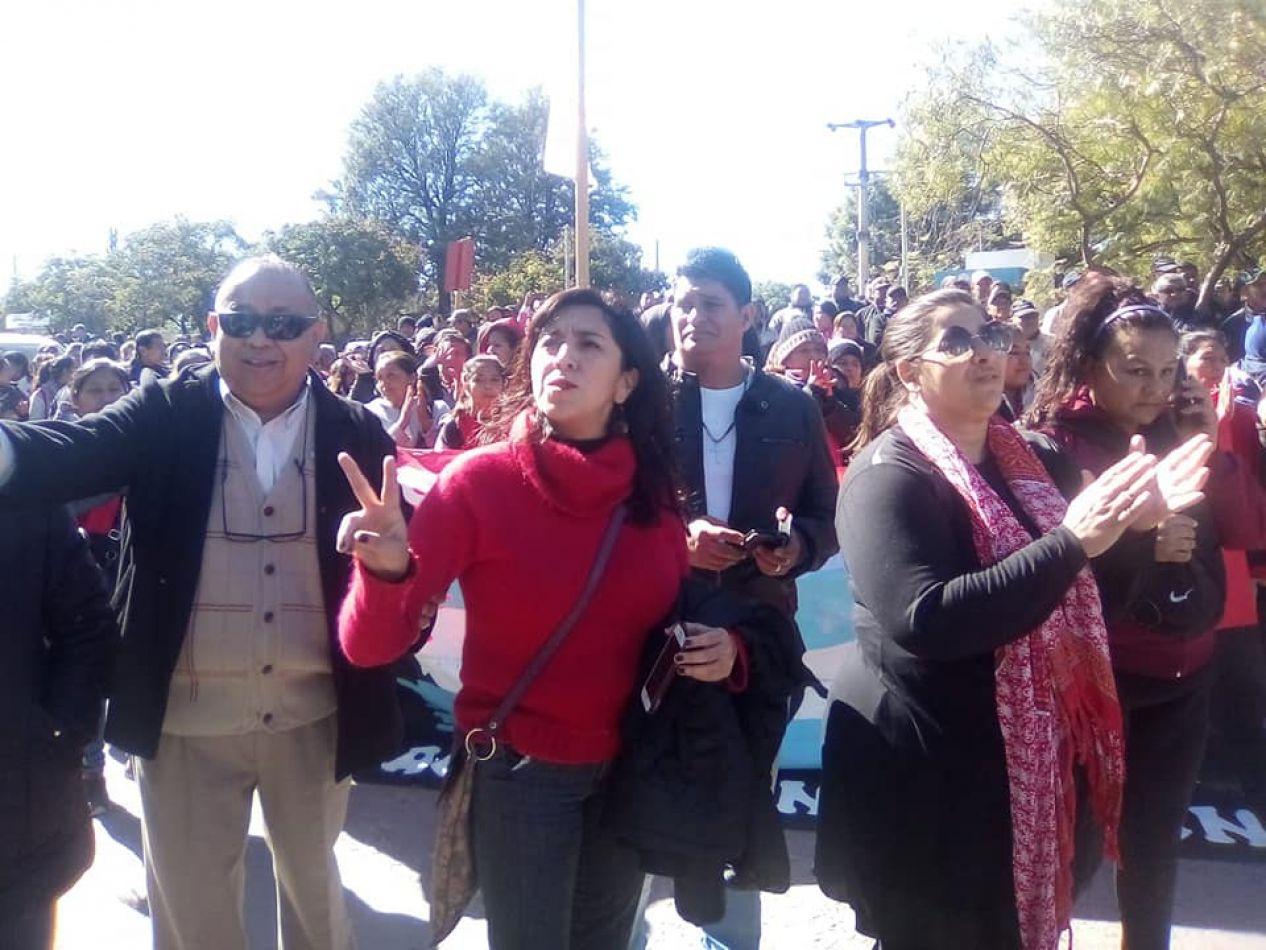 Trabajadores azucareros acompañados por Unidad Ciudadana