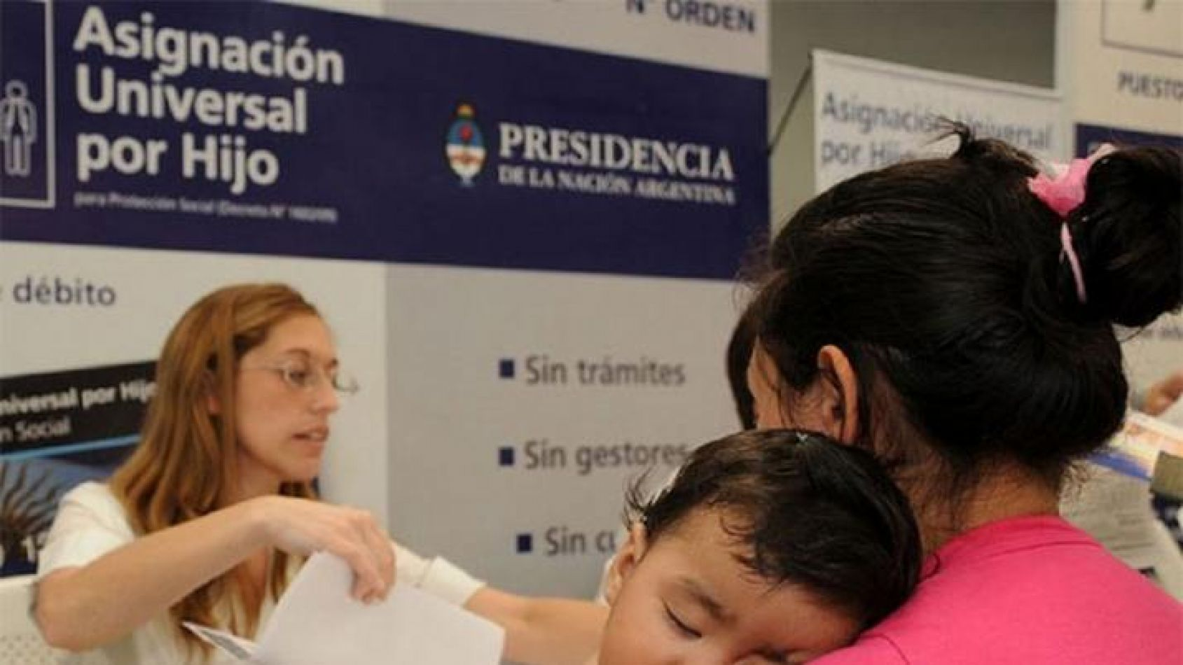 El gobierno suspendió arbitrariamente el pago de la Asignación Universal por Hijo a miles de madres