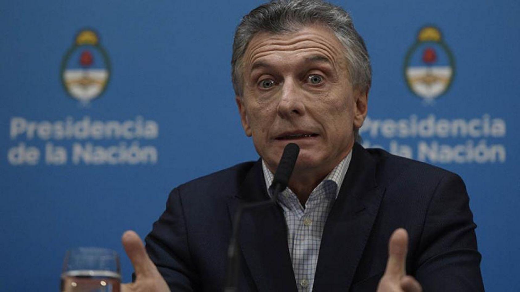 Macri anunció el congelamiento de la nafta por 90 días, el pago de un bono a trabajadores y el incremento en los montos de la AUH