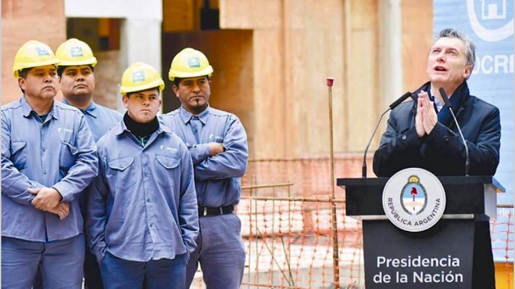 Opositores y sindicalistas cuestionaron el DNU para bajar las indemnizaciones