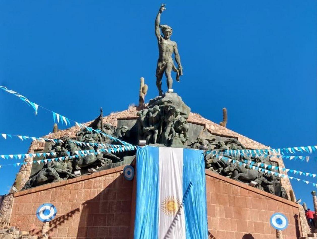 Aprobaron el proyecto de declaración de interés histórico-artístico al Monumento a los Héroes de la Independencia