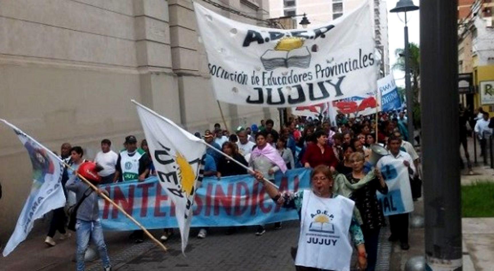 Paro de estatales: el gobierno de Morales tiene la llave para destrabar el conflicto