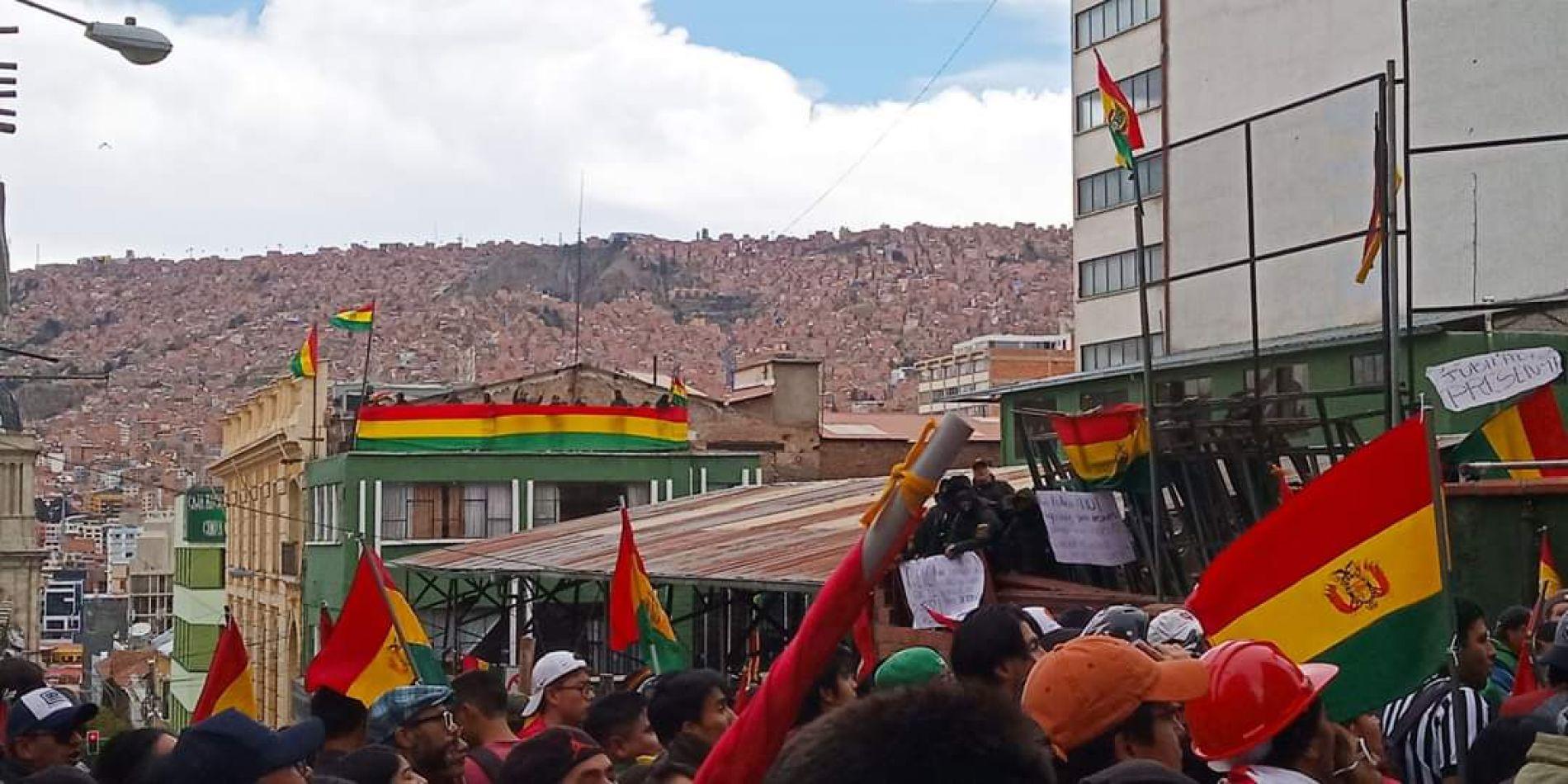 Crece la ofensiva golpista en Bolivia