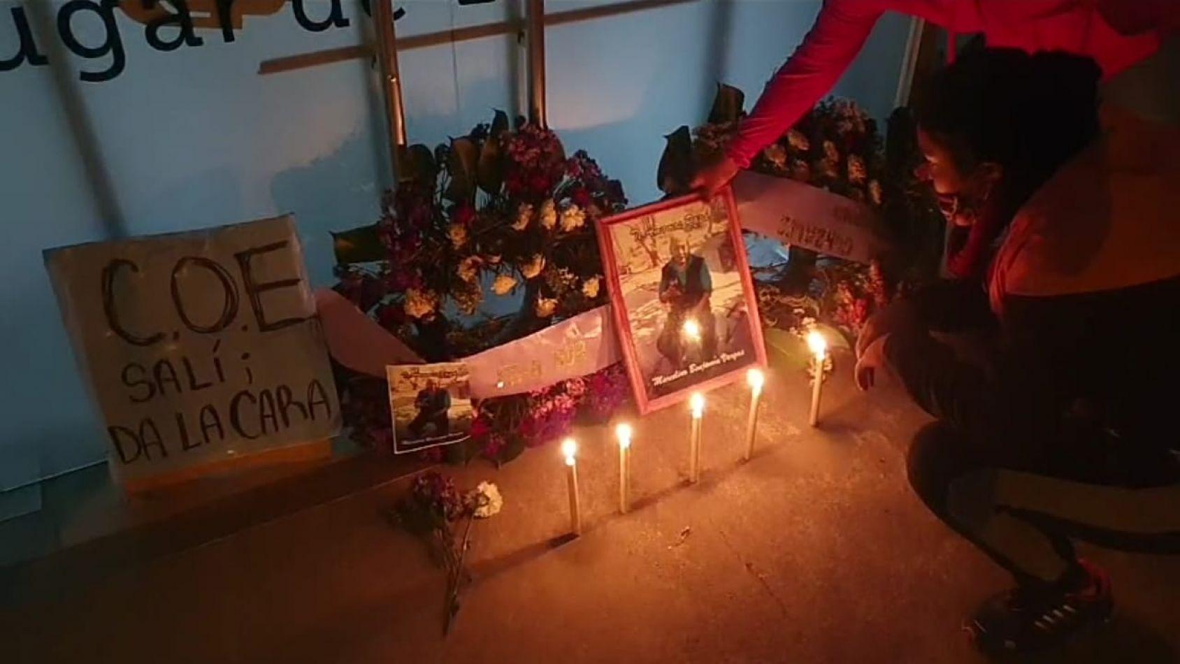 """Marcha de la bronca en el COE: """"Morales hacete cargo, estamos calientes por tanta gente que se muere"""""""