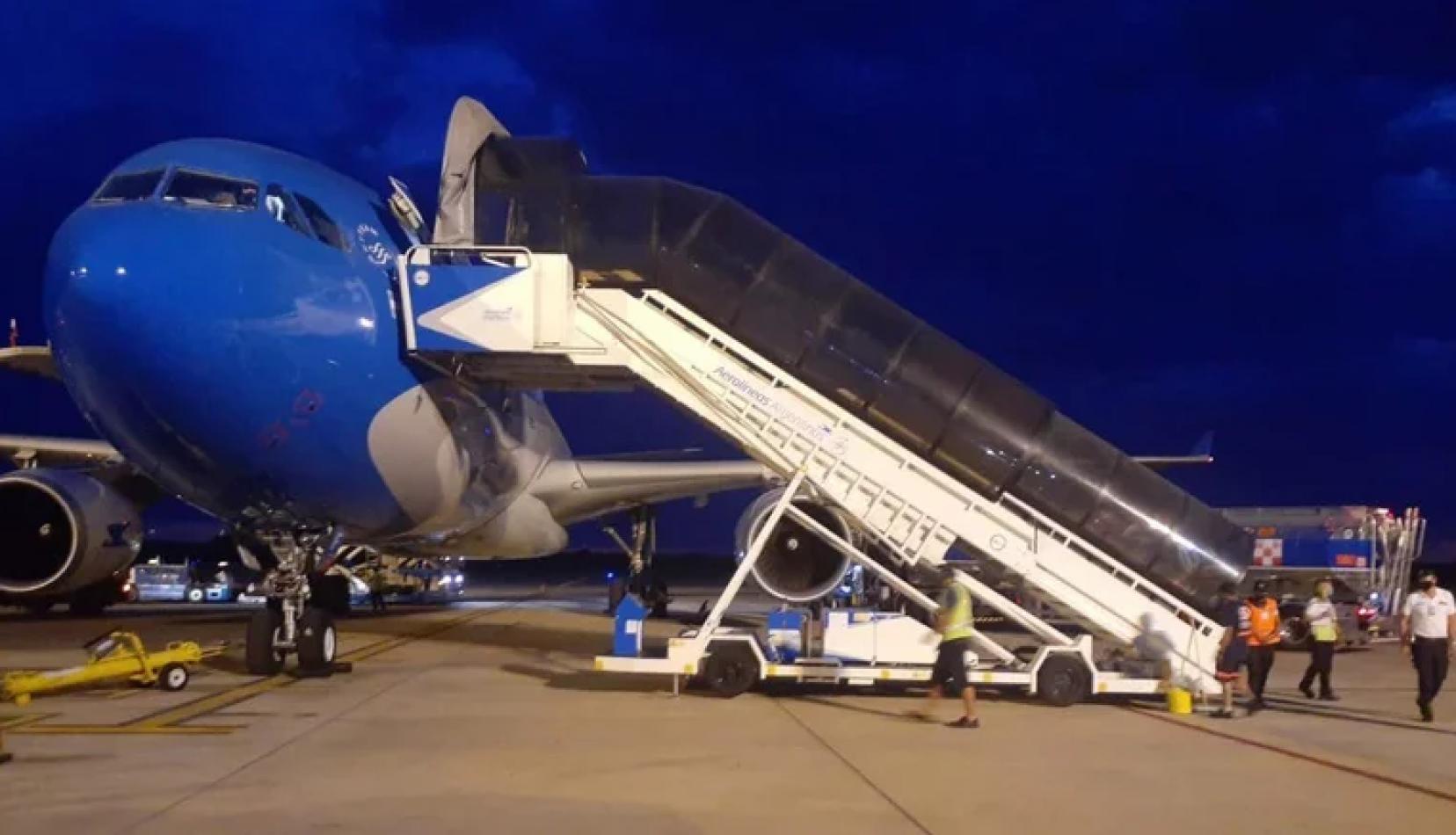 Para evitar frenar el plan de vacunación, Aerolíneas Argentinas envió un nuevo vuelo a Rusia